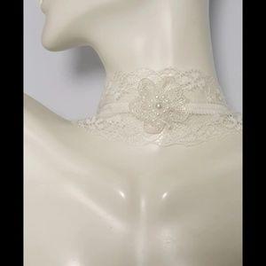 Jewelry - Lace flower choker